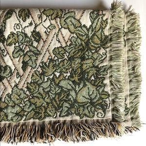 Vintage Ivy Pattern Greenery Throw Blanket